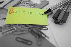 PS: I love you (2) (Pati Moreira) Tags: bw love colors cores office colorful post it catchy stabilo nx3000