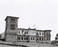 Kellie's Castle, Batu Gajah (Fadhlan Mahbob) Tags: travel blackandwhite bw mamiya film mediumformat malaysia ilford fp4 ipoh perak rz67 ilfordfp4 filmphotography mamiyarz67 batugajah