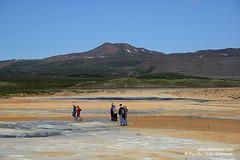 shs_n8_024026 (Stefnisson) Tags: iceland tourist tourists geothermal myvatn sland hver nmaskar mvatn fumaroles hverir feramaur tristar tristi hverasvi feramenn jarhiti stefnisson
