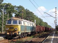 ET22-695 (MarSt44) Tags: electric train poland polska railway pkp maopolska kolej byk et22 pafawag brzeszcze et22695