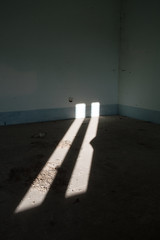Rotaie di luce (DarioMarulli) Tags: abandoned sole luce abbandono