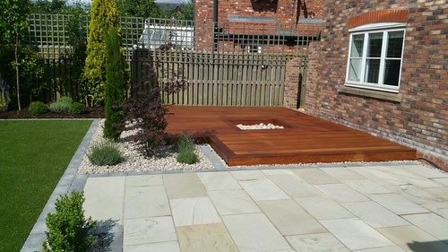 Landscape Gardening Wilmslow -  Decking Paving and Artificial Lawn Image 12