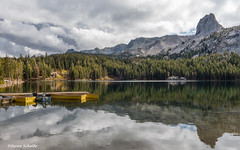 Afternoon at the lake (Photosuze) Tags: california autumn trees sky mountains reflection fall water clouds landscape boats lakes pines mammothlakes easternsierras