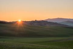 Sundowner (MrBlackSun) Tags: sunset italy nikon pienza d810 nikond810