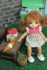 Maisie camping (Loofthewood) Tags: white doll tan sp belle bjd beloved latidoll lati