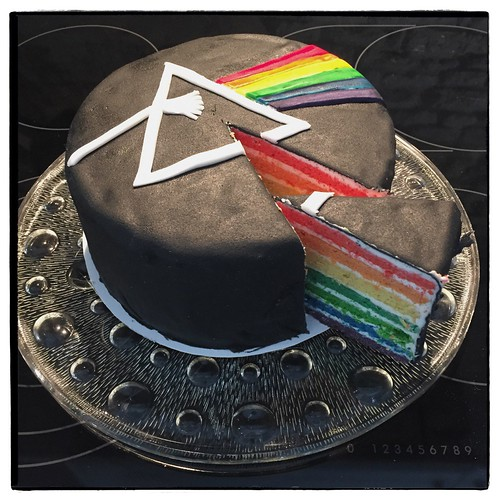 "Dark Side of the Moon Cake • <a style=""font-size:0.8em;"" href=""http://www.flickr.com/photos/92578240@N08/25330396313/"" target=""_blank"">View on Flickr</a>"