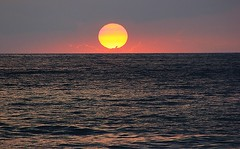 Sunset (Eduardo Ruiz M.) Tags: sunset sea sun beach water landscape outdoors hawaii seaside peace serenity romantic hawai