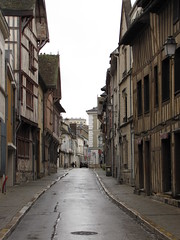 IMG_9094 (NICOB-) Tags: troyes ruelle monuments maison rue centreville aube colombages