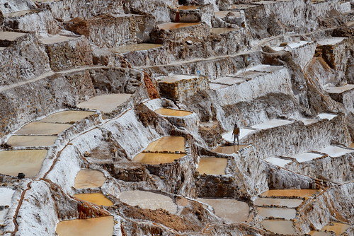 Man working in salt ponds at Maras in Peru-01 5-26-15
