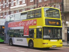 First Eastern Counties 32106 LT02ZCV Red Lion St, Norwich on 28 (1280x960) (dearingbuspix) Tags: first yellowline 32106 firsteasterncounties lt02zcv norwichnetwork