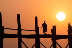Look at her (luca.onnis) Tags: sunset orange sun silhouette walking photography monk myanmar mandalay ubeinbridge teakwood turnedover lucaonnis
