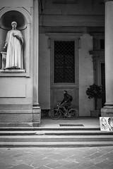 Florence I Italy (Javier Zapatero) Tags: street blackandwhite italy bike photography florence blackwhite italia fuji citylife streetphotography florencia firenze streetphoto museo uffizi fotografia urbanphotography callejera bikelife xt1 zapaphoto