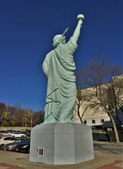 Statue Of Liberty  [replica] (ArtFan70) Tags: nyc newyorkcity usa ny newyork art brooklyn america liberty unitedstates prospectpark torch libert statueofliberty artmuseum patriotism liberte brooklynmuseum ladyliberty bartholdi libertyenlighteningtheworld fredericaugustebartholdi lalibert laliberte fredericbartholdi lalibertclairantlemonde laliberteeclairantlemonde