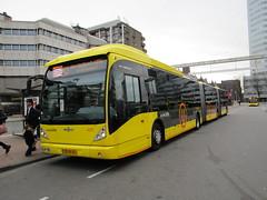 U-OV bus 4215 Utrecht CS (Arthur-A) Tags: bus netherlands buses utrecht nederland autobus vanhool daf bussen uov qbuzz