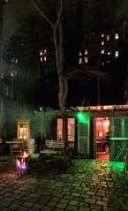 Wandelgarten (natterjack3) Tags: christmas reflections garden lights wuppertal garten lichter elberfeld reflektionen luisenstrasse weinhnachten nachbarschaftsintiative neighbourhoodinitiative