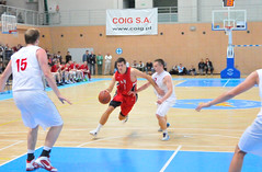 Running (AIA Basketball) Tags: germany poland 2012
