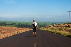 Uma vez que você abandone as expectativas, você aprendeu a viver. (tiagobu69) Tags: pessoa estrada pista 18105 pensamento d90 refletir