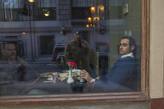 Chestnut Street, 2015 (Alan Barr) Tags: street people color reflection philadelphia candid streetphotography sp streetphoto gr ricoh chestnutstreet 2015