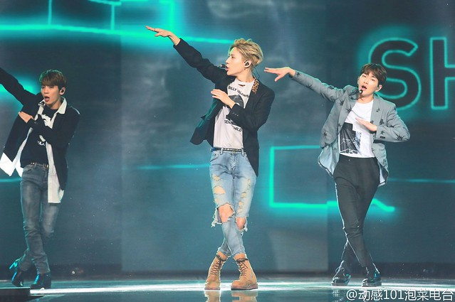 160328 ‎SHINee @ '23rd East Billboard Music Awards' 26059785941_3ac8d61df7_z