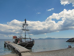 20150525_154645LC (Luc Coekaerts from Tessenderlo) Tags: sea people seascape beach public sailboat landscape coast wooden quay greece creativecommons corfu kerkyra seaview sailingship eastcoast sailship vak grc sailingboat cc0 woodenquay katvolos coeluc vak201505corfu