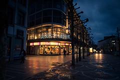 Dj debout... (Gilderic Photography) Tags: street city morning windows canon dark lights belgium belgique belgie sting diner liege ville g7x gilderic pointchaud