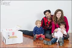 La caja tonta (Tabar Neira) Tags: family portrait familia box retrato caja tabare valaingaur