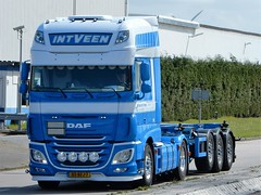 DAD XF116 superspacecab from Kees in`t Veen Holland (capelleaandenijssel) Tags: netherlands truck rotterdam 7 container lorry camion trailer 83 lkw botlek bfj europooort distripark tankcontainer