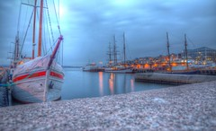 Early Sunset (blavandmaster) Tags: city light sunset colour beautiful oslo norway clouds port canon landscape licht norge cloudy harbour awesome norwegen himmel akerbrygge ciel handheld nuages landschaft hdr 24105 eos6d christiankortum