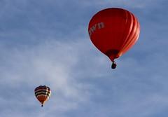 Hot Air Balloons (Richimal) Tags: sky balloons fly flying balloon floating hotairballoon float hotairballoons bristolballoonfiesta bristolballoonfestival bristolinternationalballoonfiesta bristolfiesta bristolhotairballoonfestival