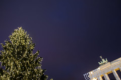 Berlin (HybridDave) Tags: christmas travel lightpainting tree berlin tourism beautiful dave night germany dark festive deutschland photography lights photo nikon gate pretty market hybrid baubles brandenberg kersfees