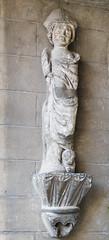 Statue sur socle (eric.benoit@35mm) Tags: statue stone pierre pillar pedestal socle divessurmer