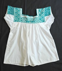 Blouse Puebla Mexico Nahua (Teyacapan) Tags: mexico mexican textiles puebla embroidered bordados cuetzalan blouses blusas nahua mexicantextiles tzinacapan