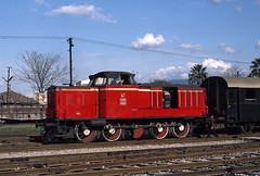 Not pretty, but cute (Bingley Hall) Tags: railroad train turkey diesel transport engine rail railway transportation locomotive mak izmir alsancak shunter tcdd 44100 maschinenbaukiel