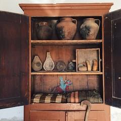 o lixo dos outros (Rosa Pomar) Tags: alentejo armrio mantas cajado corchos catavento panelas cornas