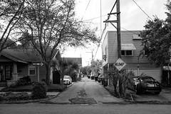 St. Pete Alley (22) (Beau Finley) Tags: blackandwhite monochrome sign stpetersburg alley florida suburban oneway saintpetersburg stpete hump beaufinley sonydscrx100