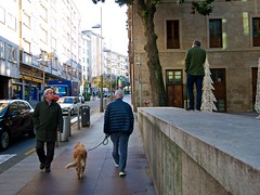 P1270011 (CarluzFoto) Tags: people color streetphotography streetphoto pontevedra peopleonthestreets