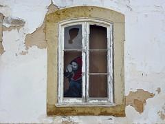 Ventana de Lagos (John LaMotte) Tags: ventana window janela fachada fenêtre deterioro decayed graffiti lagos algarve infinitexposure portugal ilustrarportugal