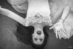 OF-Ensaio-AnaFlavia-1311-2 (Objetivo Fotografia) Tags: friends light luz window girl mom ensaio photography ana model dress wind photos sister adolescente mulher makeup modelo prdosol diverso fotos guria janela alegria dust amigas dana figuras me jovem vestido claudinha giro vento selfie pneus debutante fbrica duda irm fotografias whitedress poeira ensaiofotogrfico feminino flavinha construo sorrisos arquiteta fbricaabandonada mariaeduarda girar luzesombra shadowsandhighlights olhosclaros anaflvia vestidobranco ensaiofeminino felipemanfroi eduardostoll cabelossoltos objetivofotografia vestidodedebut anacludiabrevian