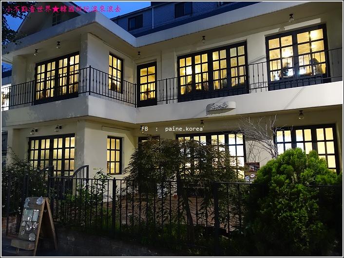 弘大Snob甜點店 (1).JPG