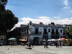 "Oaxaca: el Zócalo <a style=""margin-left:10px; font-size:0.8em;"" href=""http://www.flickr.com/photos/127723101@N04/25005772723/"" target=""_blank"">@flickr</a>"