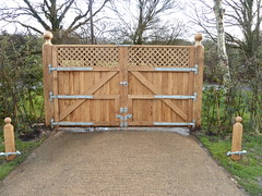"Oak Double Gates • <a style=""font-size:0.8em;"" href=""http://www.flickr.com/photos/61957374@N08/25522913036/"" target=""_blank"">View on Flickr</a>"