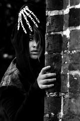 Touched (Matthias-Hillen) Tags: portrait bw woman white black blackwhite scary hands hand creepy matthias bones sw frau schwarzweiss weiss schwarz hnde hillen knochen gruselig pircing schaurig matthiashillen