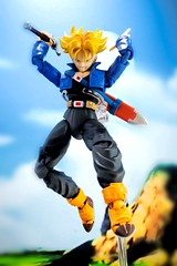 Future trunks- SSJ form (YeoZz) Tags: toy dragonball bandai dbz shf shfiguarts figuarts
