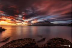 Amanecer en Sonabia (Caramad) Tags: longexposure light sea espaa seascape luz marina sunrise landscape mar agua rocks wave explore amanecer e monte olas rocas cantabria wate marcantbrico cerredo