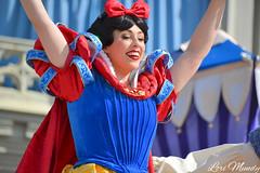 Dream Along With Mickey (disneylori) Tags: princess disney disneyworld characters wdw waltdisneyworld snowwhite magickingdom disneyprincess snowwhiteandthesevendwarfs disneycharacters dreamalongwithmickey facecharacters snowwhitecharacters