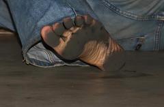 dirty party feet 551 (dirtyfeet6811) Tags: feet barefoot soles dirtyfeet partyfeet dirtysoles blacksoles