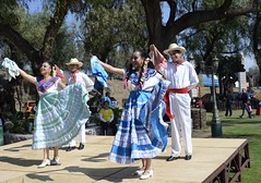 "Folk dances of Mexico, Mexico DF (heraldeixample) Tags: de mexico aztec folk populares mexica dances teotihuacán city"" méjico mèxic ""mexico mexico"" populars ""folk náhuatl méxico"" df"" ""popular albertdelahoz ""balls ciutat"" ""bailes heraldeixample mèxic"" ""méjico ""mexic"