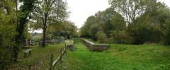 Lordings Lock (Worthing Wanderer) Tags: autumn grey sussex canal october westsussex dull billingshurst weyandaruncanal weysouth