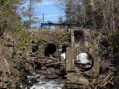 Former dam and waterworks powering the mill at Bedford Mills, Ontario (Ullysses) Tags: ontario canada spring dam westport printemps waterworks bedfordmills benjamintett
