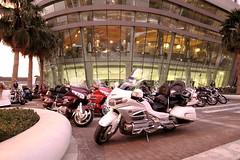 ABU DHABI MOTORSHOW 2016 (ceebeemiranda) Tags: honda indian wheels victory harleydavidson yamaha trike suzuki saudiarabia bigbikes hayabusa custombike 1dmarkiv solsoab cbmiranda
